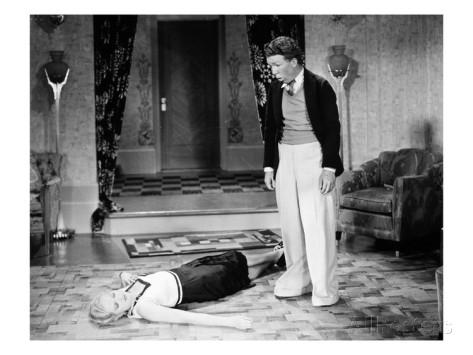 silent-film-still-fainting
